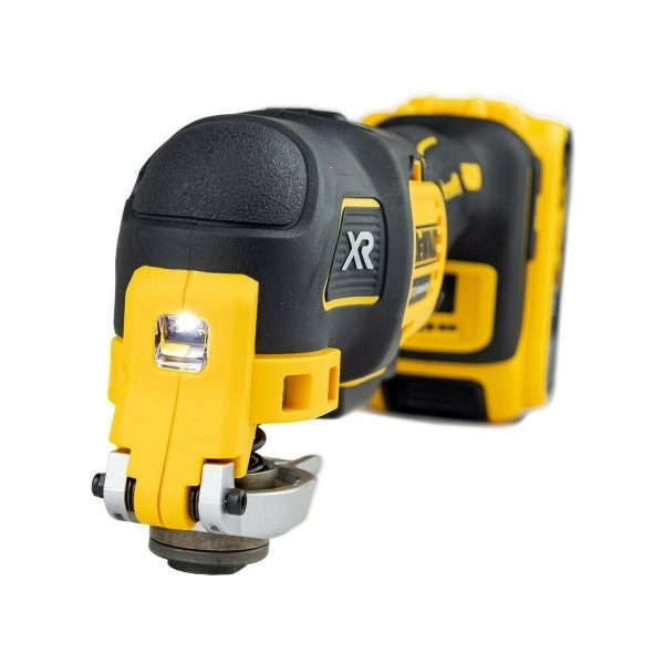 DCS356N Oscillating Tool with Accessories Frontal View